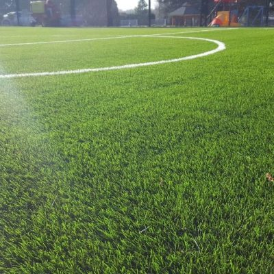 Small moduliq football field of 1000 sq.m. installed within 4 days.